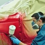 Detalle del proceso de aplicación de la pintura